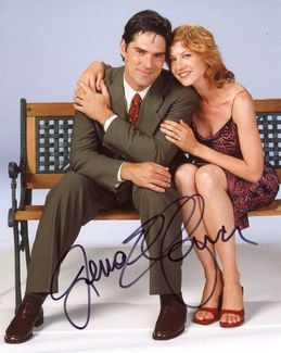 Jenna Elfman Signed 8x10 Photo