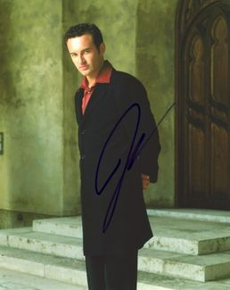 Julian McMahon Signed 8x10 Photo