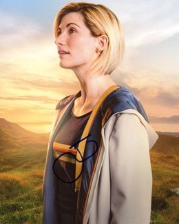 Jodie Whittaker Signed 8x10 Photo - Video Proof