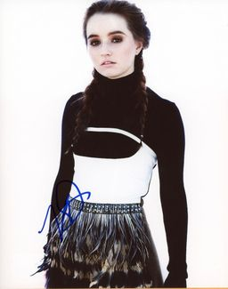 Kaitlyn Dever Signed 8x10 Photo - Video Proof