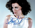 Kathleen Robertson Signed 8x10 Photo - Video Proof