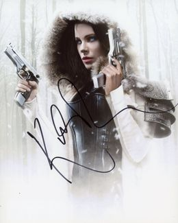 Kate Beckinsale Signed 8x10 Photo - Video Proof