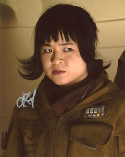 Kelly Marie Tran Signed 8x10 Photo - Video Proof