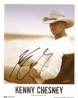 Kenny Chesney Signed 8x10 Photo