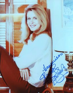 Elizabeth Montgomery Signed 8x10 Photo