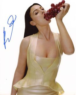 Monica Bellucci Signed 8x10 Photo - Video Proof