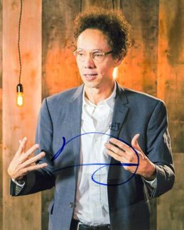 Malcolm Gladwell Signed 8x10 Photo