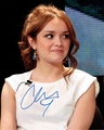 Olivia Cooke Signed 8x10 Photo - Video Proof