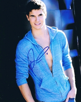 Robbie Amell Signed 8x10 Photo - Video Proof