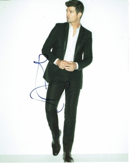 Robin Thicke Signed 8x10 Photo