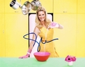 Sandra Lee Signed 8x10 Photo