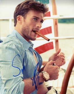 Scott Eastwood Signed 8x10 Photo