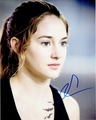 Shailene Woodley Signed 8x10 Photo - Video Proof