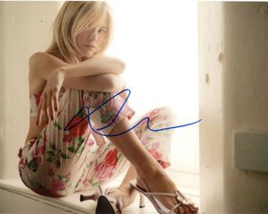 Sienna Miller Signed 8x10 Photo - Video Proof
