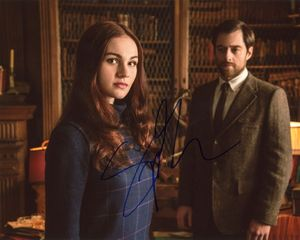 Sophie Skelton Signed 8x10 Photo