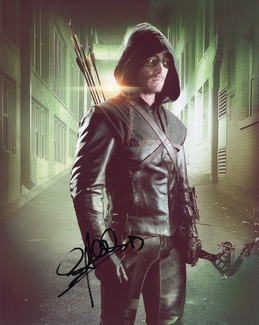 Stephen Amell Signed 8x10 Photo - Video Proof