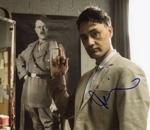 Taika Waititi Signed 8x10 Photo