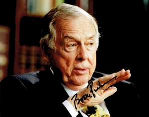 T. Boone Pickens Signed 8x10 Photo