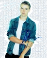 Will Poulter Signed 8x10 Photo - Video Proof