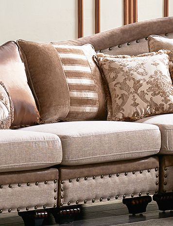 Chateau Formal Traditional Living Room Furniture Sectional