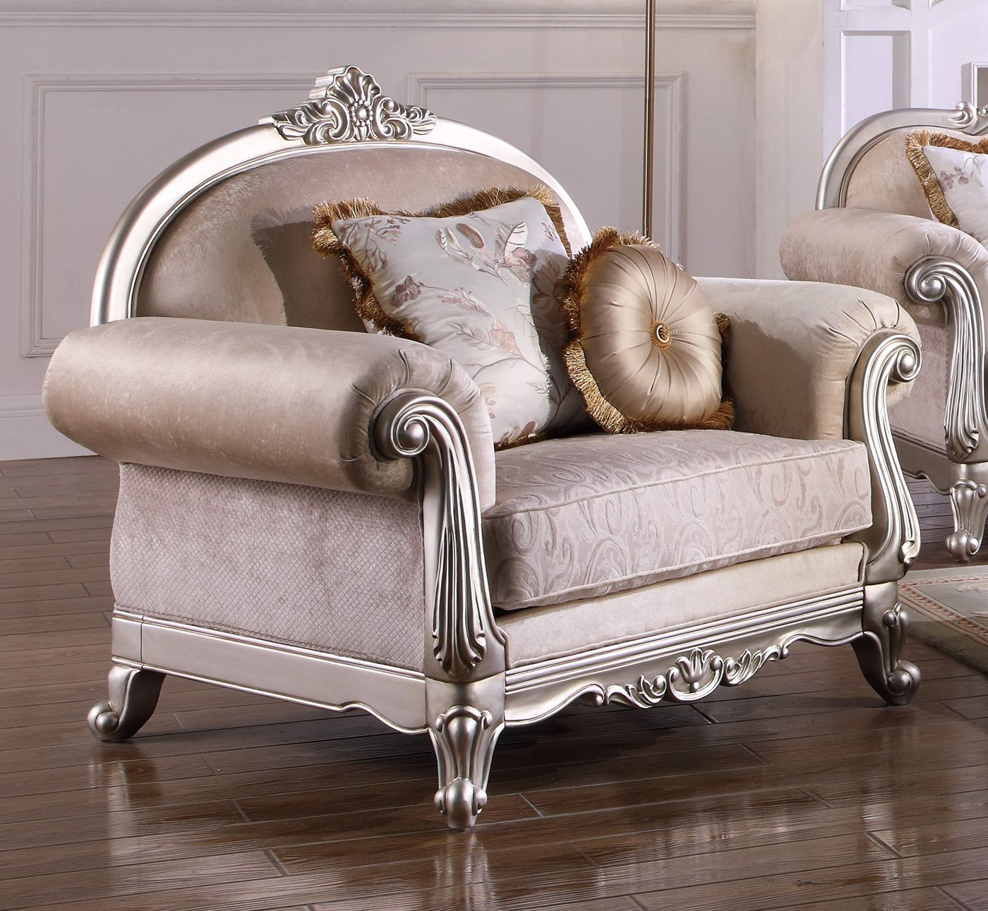Traditional Living Room Furniture Sectionals: Luxurious Traditional Living Room Furniture Sofa Set
