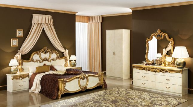 Antique White Bedroom Furniture | Queen Mansion Bed