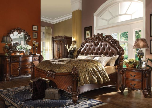 Vendome 4pc Upholstered Victorian King Bedroom Set in Cherry Wood Finish