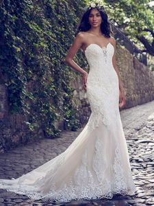 Maggie Sottero Wedding Dress – Autumn