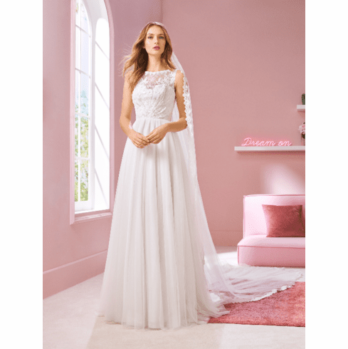 Pronovias White One Wedding Dress - LIZ