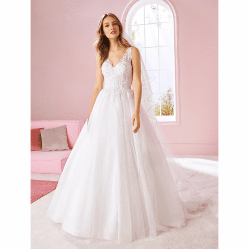 Pronovias White One Wedding Dress - NORMANI