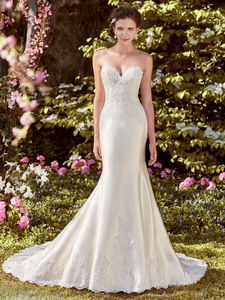Rebecca Ingram Wedding Dress – <br> LAYNIE
