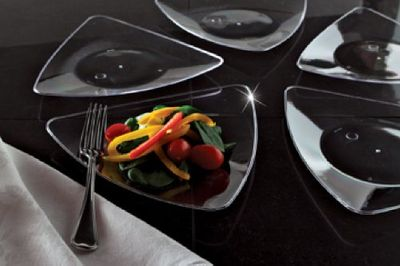 """Clear Triangle Plastic 10"""" Dinner Plates 10ct."""