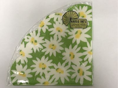 Daisies on Green Backdrop Rice Paper Napkins 15 per Pack