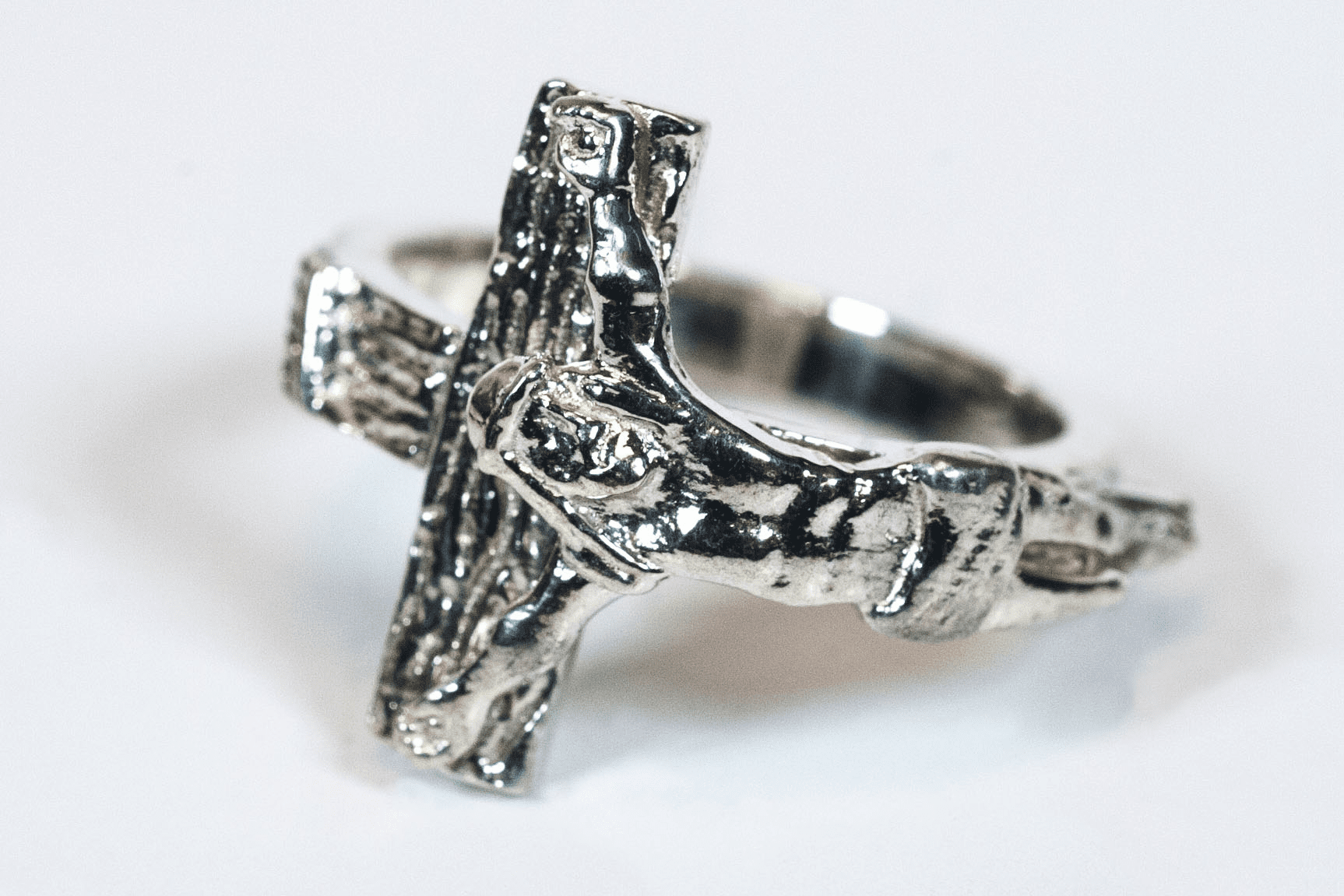 Bliss Men's Sterling Silver Jesus Crucifixion Ring