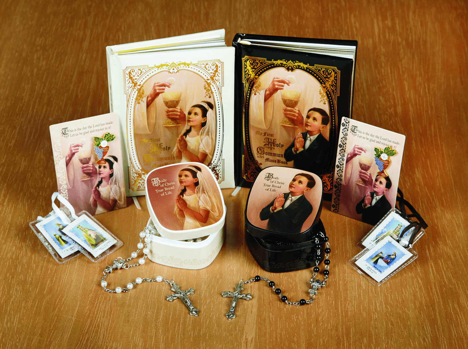 Sangre de Cristo First Communion Boy and Girl's Presentation Gift Set