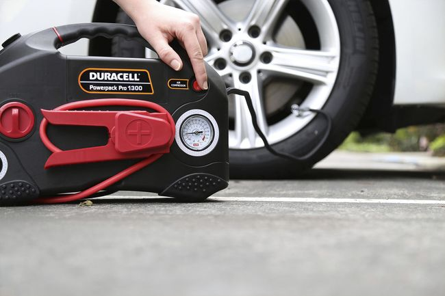 Duracell Powerpack Pro 1300 AC Inverter, Jump Starter and Air Compressor