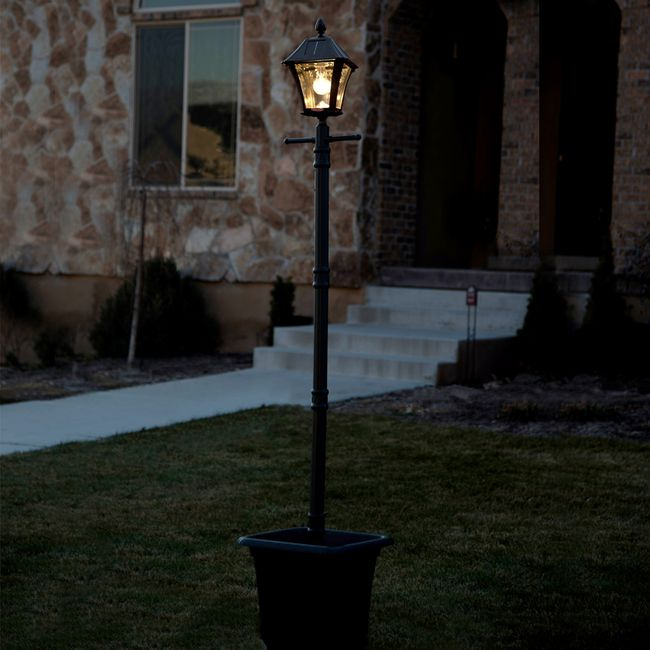 Gama Sonic Baytown Bulb Solar Lamp Post with EZ-Anchor and Planter Base