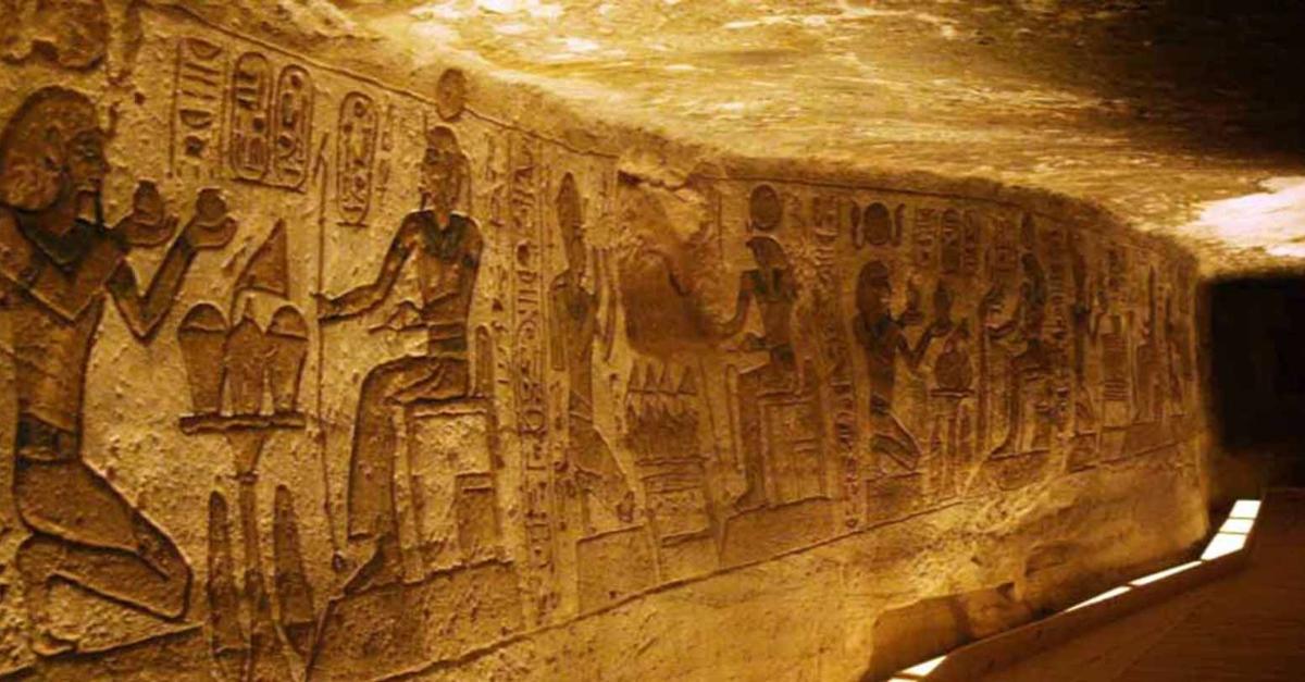 the egyptian pyramids essay