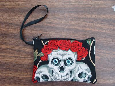NEW Cotton Fabric Cell Phone Case  Three Crowned Red Roses Skulls Pattern Shoulder Bag Cross Body Bag
