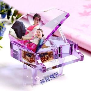 食尚玩家 精品電子式機芯任意下載歌曲情人節禮物MP3機芯水晶鋼琴生日結婚禮物創意鋼琴音樂盒