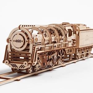 【海思】Ugears – 自我推進模型 Locomotive 蒸汽火車頭 - 來自烏克蘭.橡皮筋動力.機械驚奇 ! 科學玩具