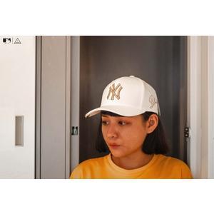 ISNEAKERS New Era MLB 洋基經典刺繡LOGO 白金配色 復古 老帽 大聯盟棒球帽 周子瑜 配件