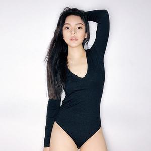 FINDSENSE G6 韓國時尚 V領露背連體衣修身舞蹈瑜伽運動長袖打底外穿T恤女裝上衣