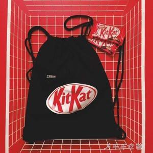 束口袋 抽繩袋後背包 原創潮牌KITKAT巧克力惡搞原宿風歐美後背包千千女鞋