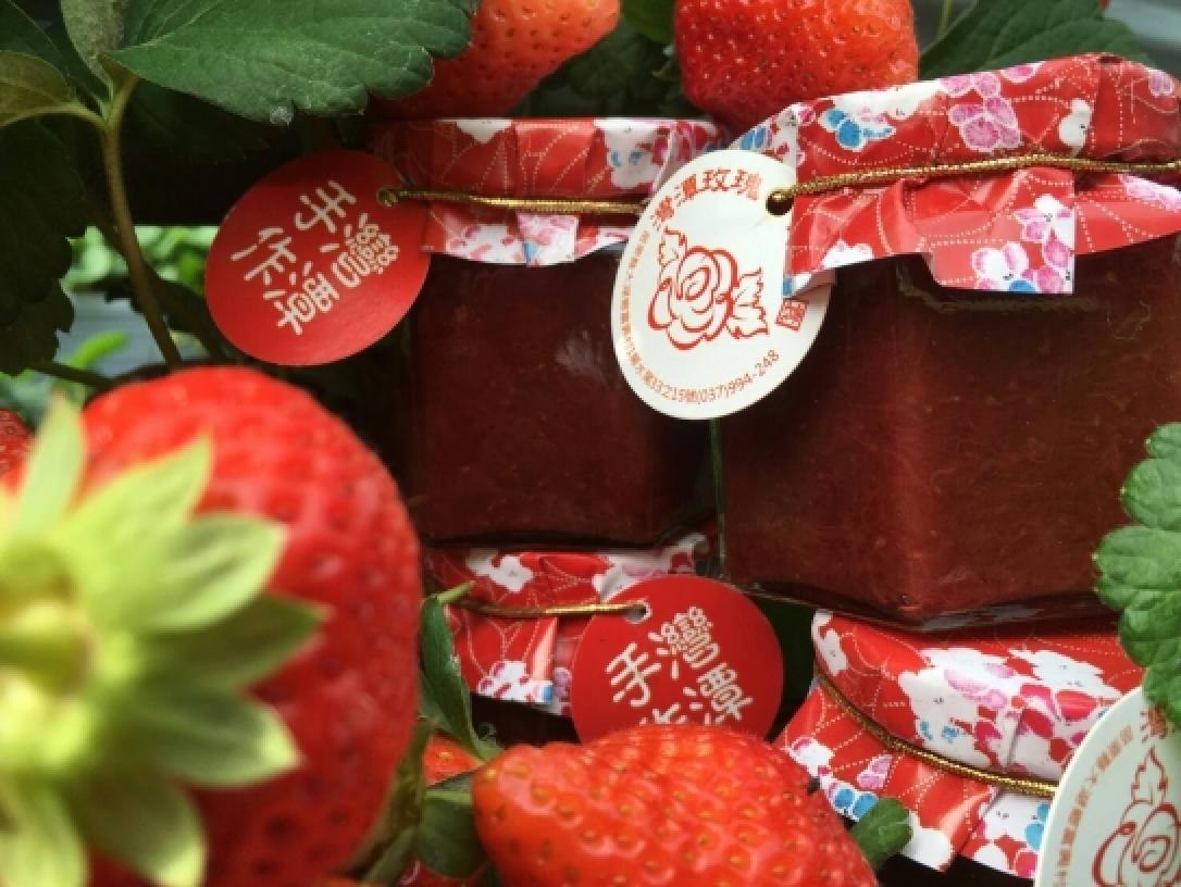 灣潭玫瑰草莓園