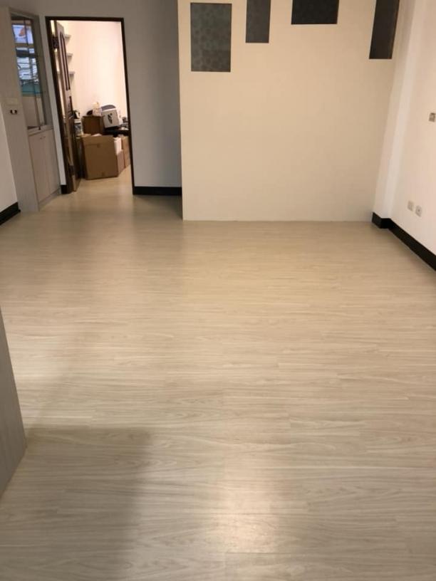 AR室內裝潢-台南塑膠地板、台南壁紙