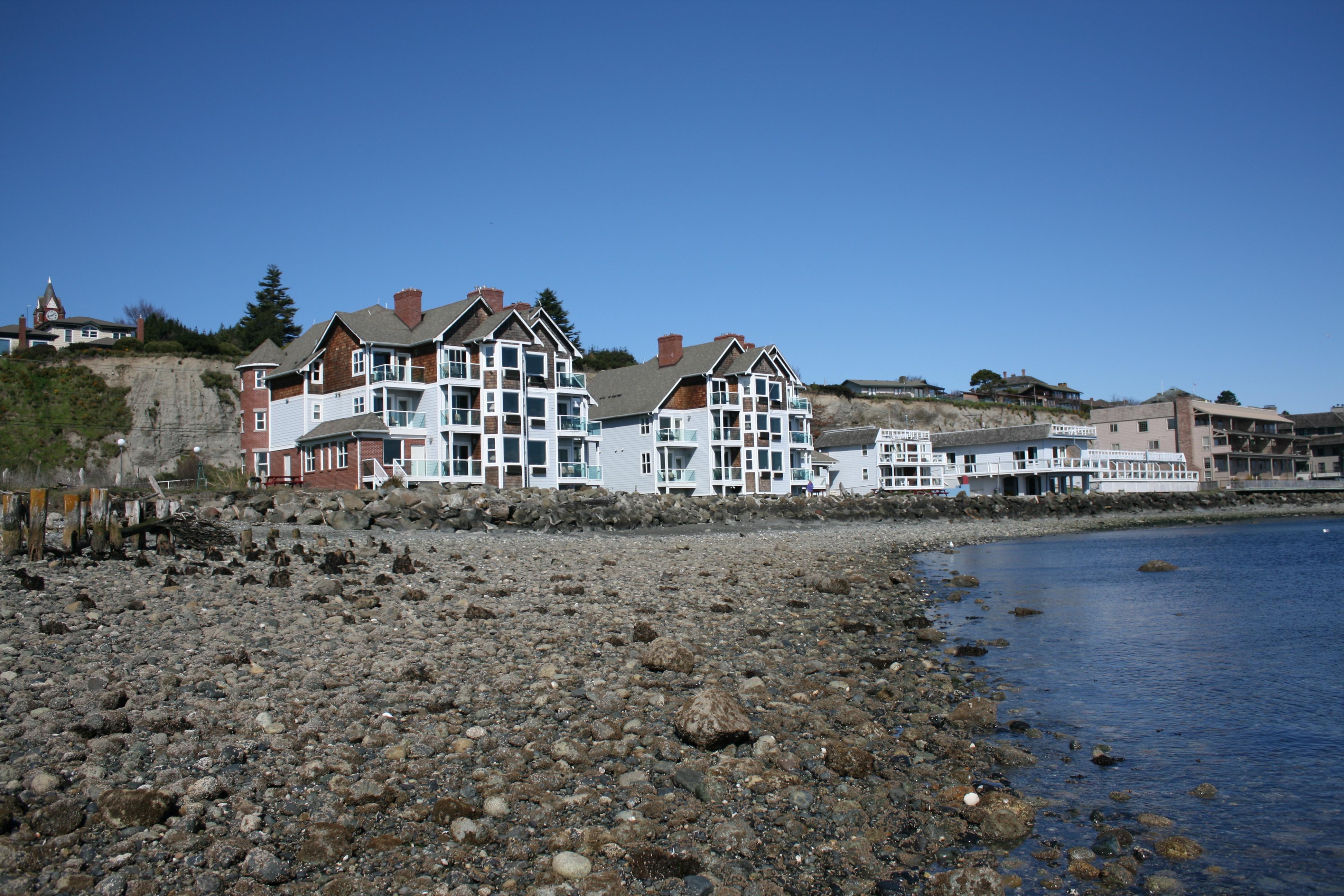 tides inn in port townsend tides inn 1807 water st port. Black Bedroom Furniture Sets. Home Design Ideas