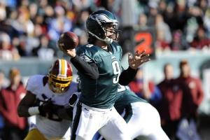 RG3 leads Redskins over Eagles 27-20