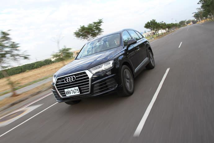 國內新車試駕-Audi Q7 45TDI quttro