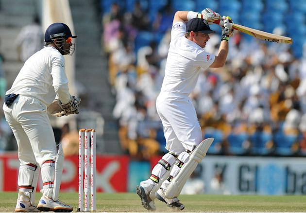 Ian Bell bats on Day 5 of the fourth Test between India and England at the Jamtha Stadium in Nagpur, Monday, December 17, 2012. (BCCI)
